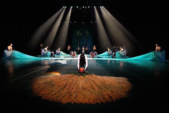 Legend-Lin-Dance-Theatre_B