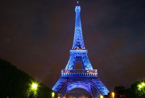 Viaja por la Torre Eiffel a través de Google Street View