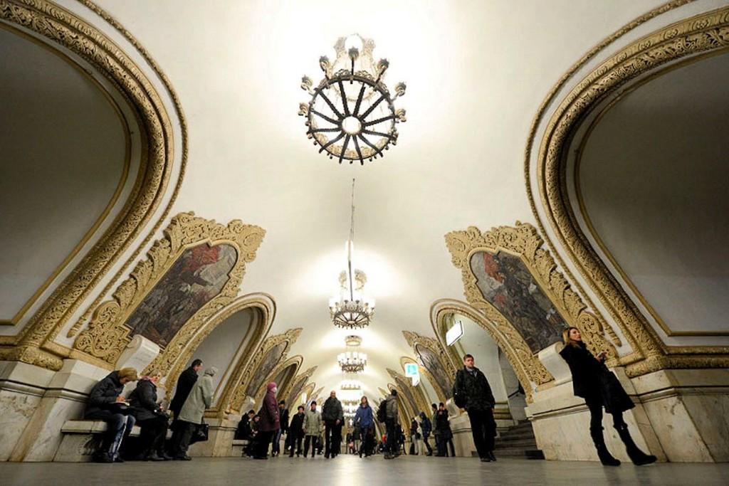 00m-kievskaya-metro-station-moscow-02-12-12