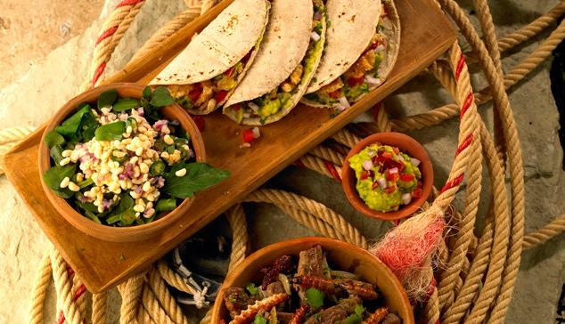 456-458_escamoles_con_nopal_y_quintoniles_tacos_de_chicharron_y_guacamole_taquitos_de_gusanos_de_maguey_y_arrachera