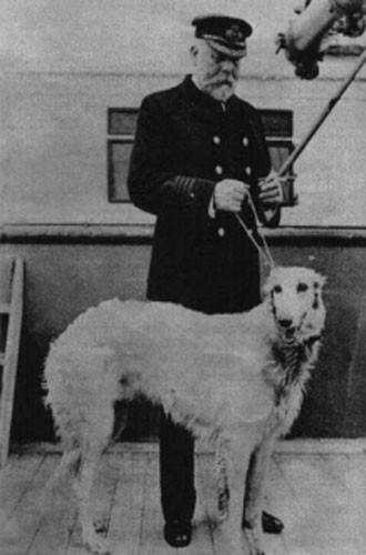 El-perro-del-Capitan-218x300