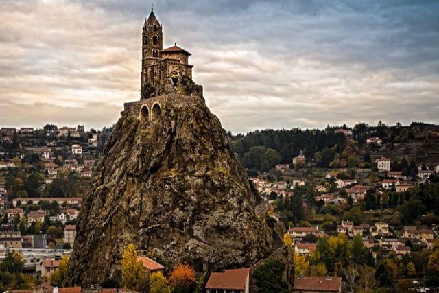 Capilla de Saint-Michel d'Aiguilhe, Francia iglesias más hermosas del mundo