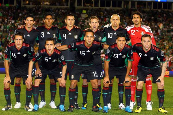 La camiseta de México en los Mundiales - Historia - Historia 09cc4e216437d