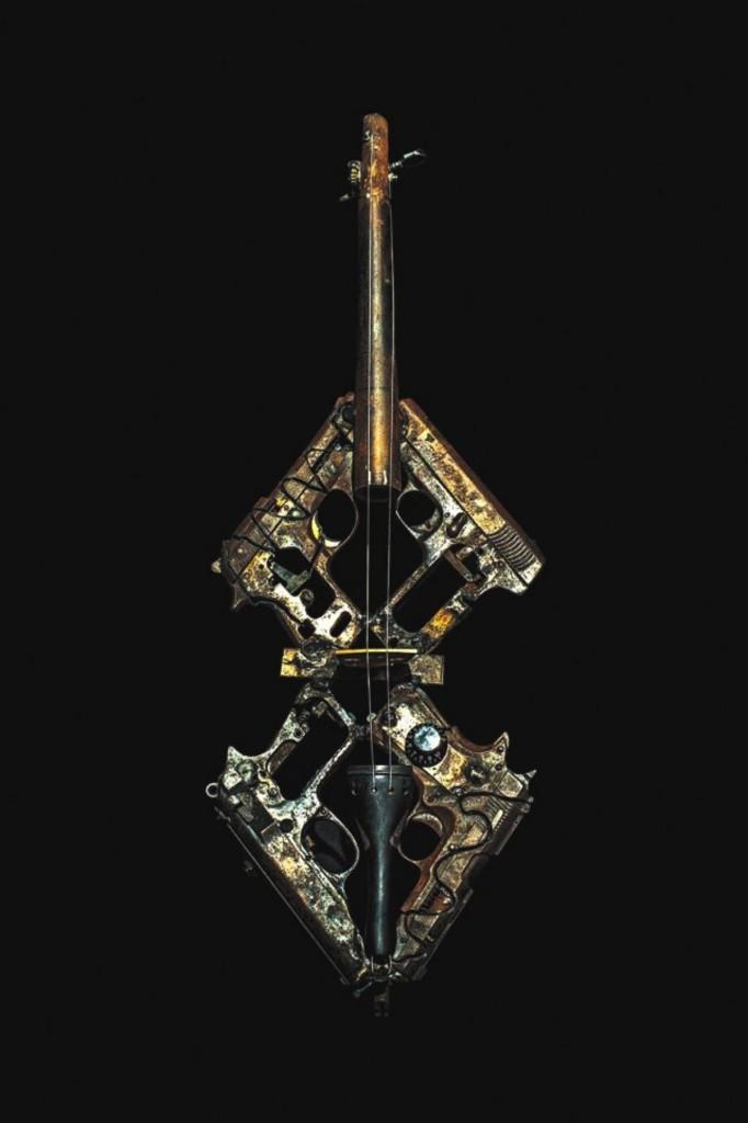 Pedro-Reyes-Convierte-Armas-de-Fuego-en-Instrumentos-Musicales-05