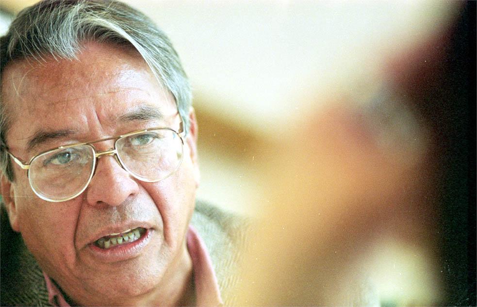 JOSE AGUSTIN ESCRITOR.FOTO:HUGO SALAZAR/EL ECONMISTA 12/DICIEMBRE/2002.