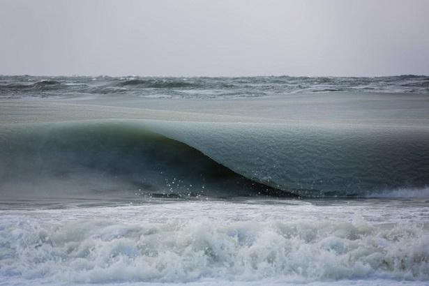 Slush waves. (Photo by Jon Nimerfroh)