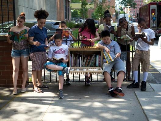 Biblioteca aire libre niños