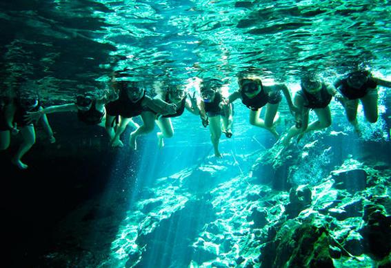 Tulum-Snorkel-en-Cenote-Riviera-Maya