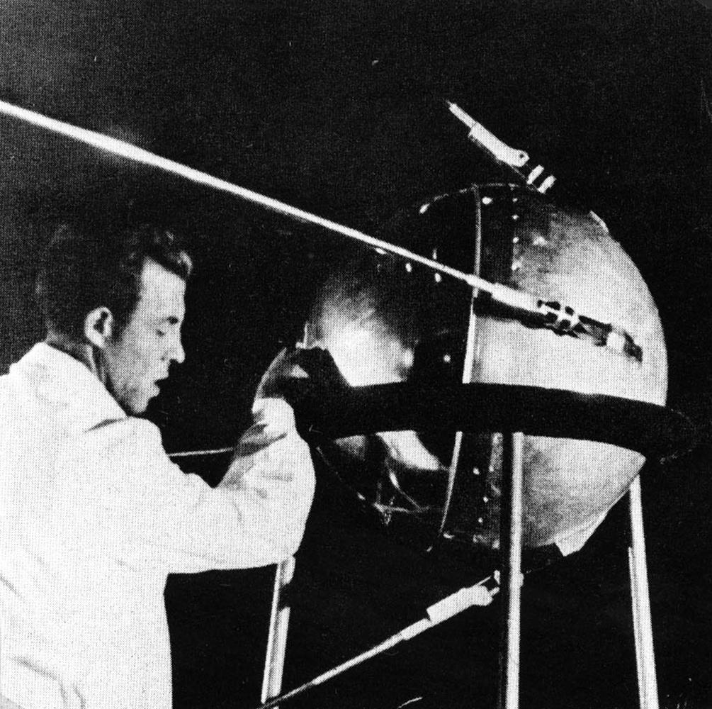 sputnik cassini imagenes saturno