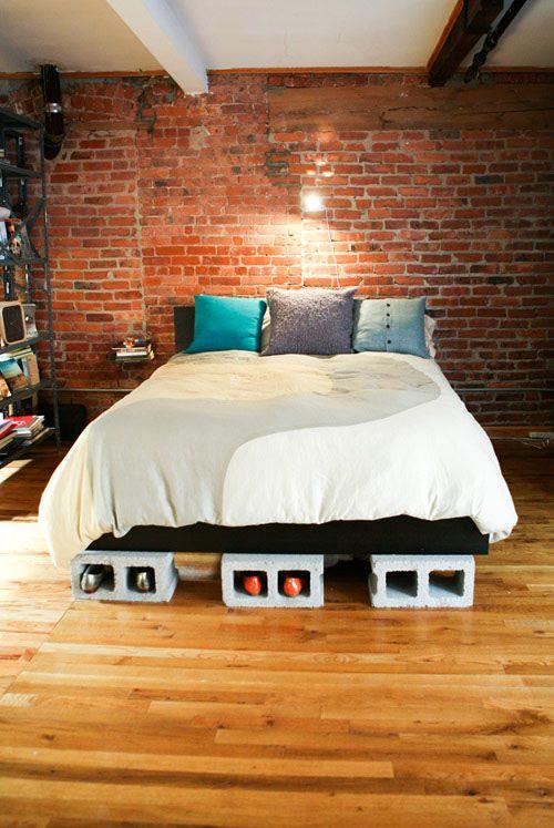 5 ideas para redise ar tu cama sin gastar dise o for Base de cama hecha con tarimas