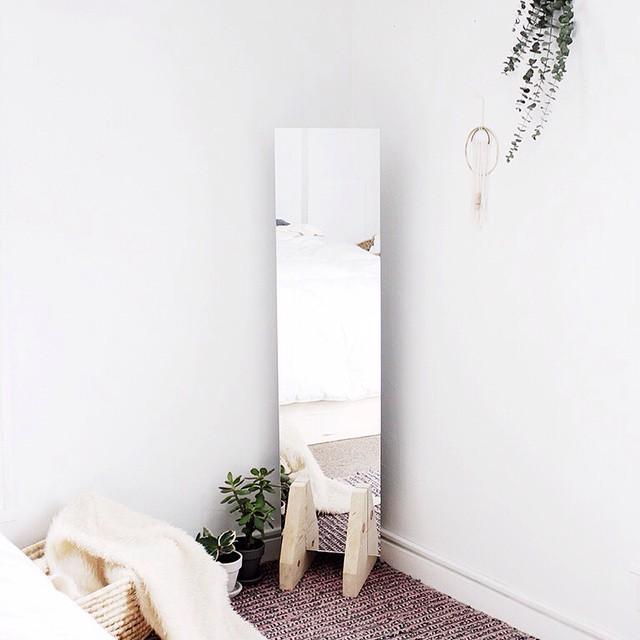 Dise os minimalistas para decorar tu casa sin gastar mucho for Lampara de piso minimalista