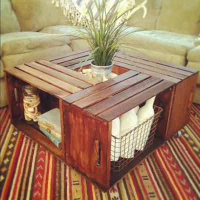 o simplemente una mesa de centro con diferentes espacios para colocar las cosas que no pueden faltar en tu sala