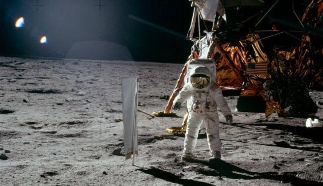 Neil-Armstrong-Luna-