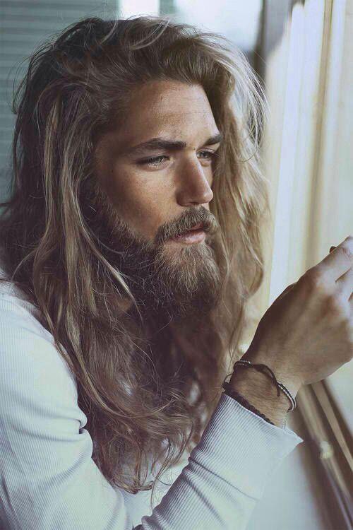 Pelo largo y barba significado