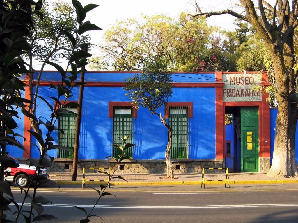 casa frida azul