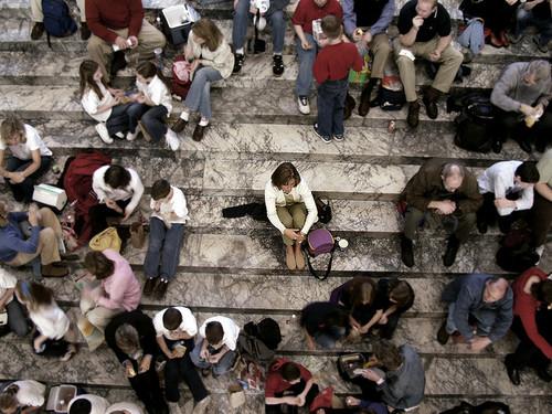 existencial multitud