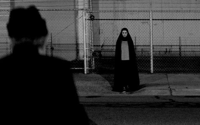 Pelicula de vampiros-UnaChicaRegresa-sola-a-casa