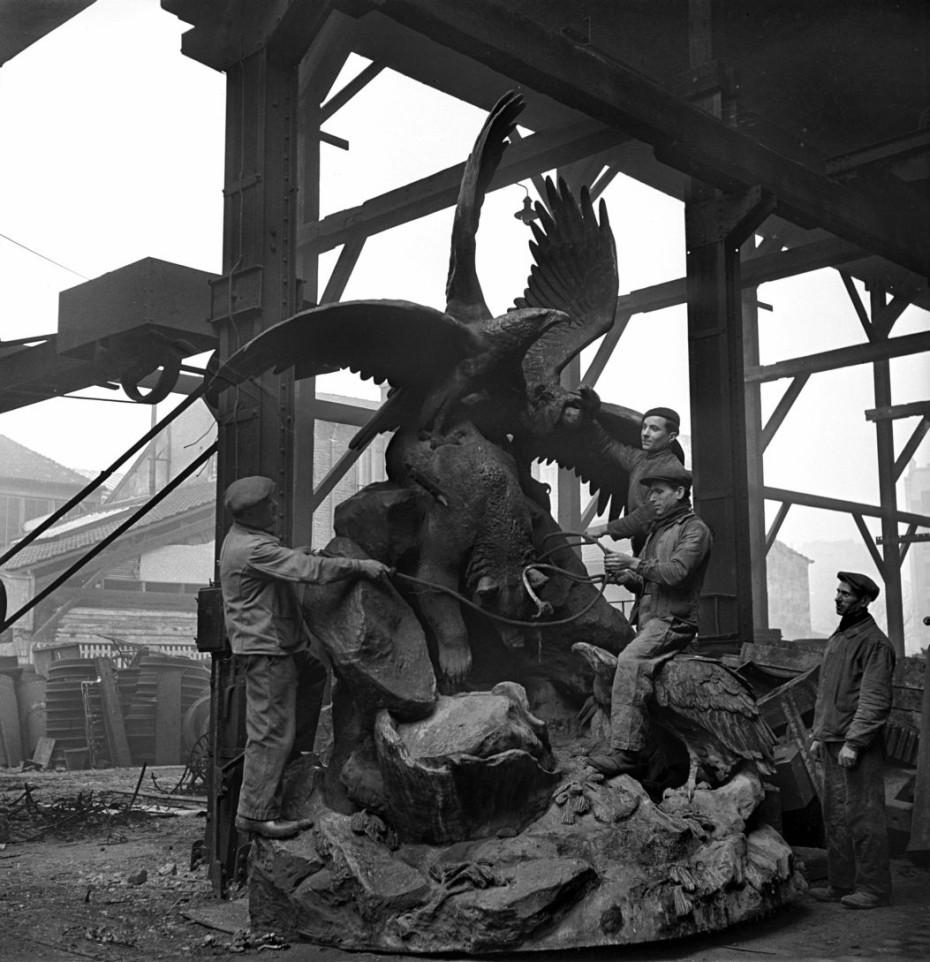 estatuas oso nazis
