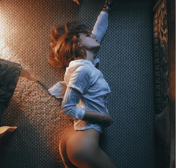 igor koshelev erotismo femenino