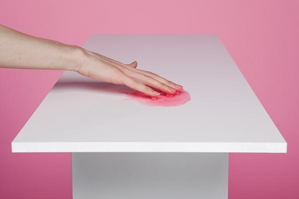 mesa dolor femenino