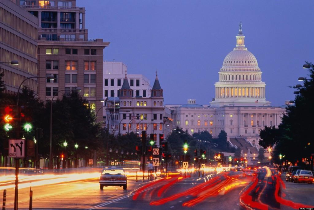 USA, Washington DC, Pennsylvania Avenue and Capitol building