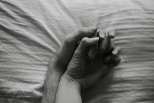 que significa enamorarse-manos
