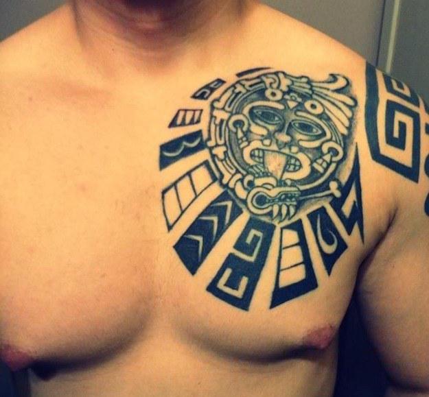 tatuajes de dioses-pecho