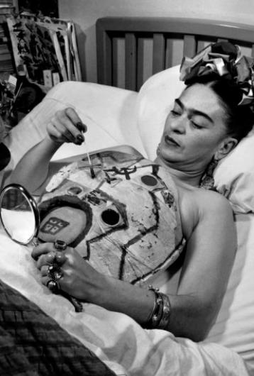 Tatuajes Frida Kahlo pintando
