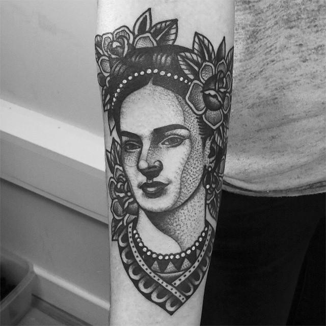 Tatuajes Frida Kahlo puntillista