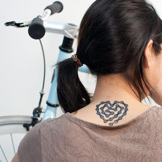 corazon tatuajes de bicicletas