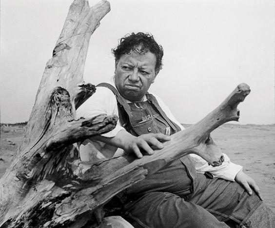 Diego Rivera en la playa