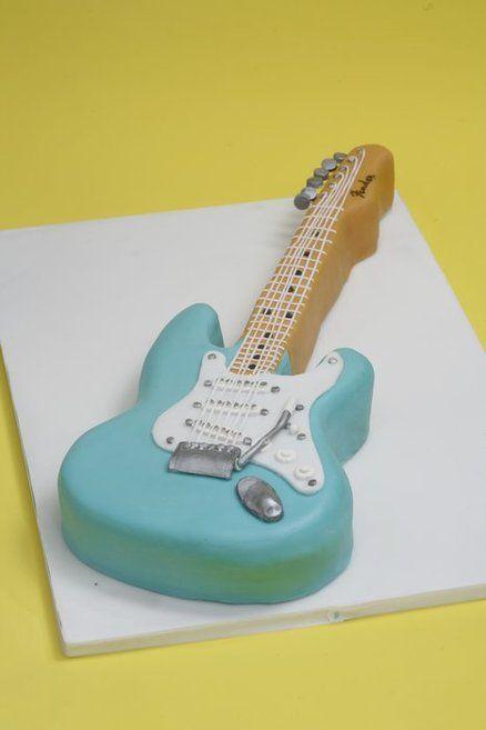 guitarra 2 pasteles de música