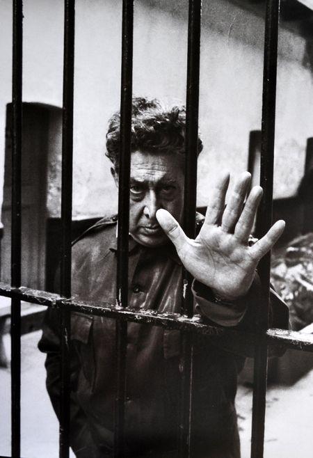David Alfaro Siqueiros en Lecumberri, donde estuvo encerrado cuatro años.