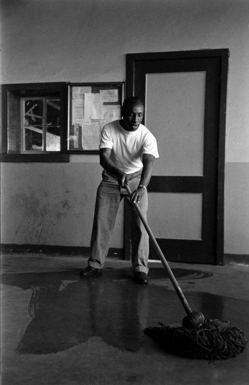 limpiando the prisionaires