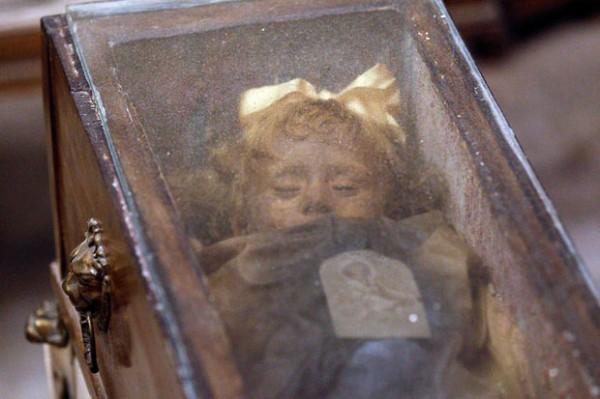 nina momia rosalia lombardo
