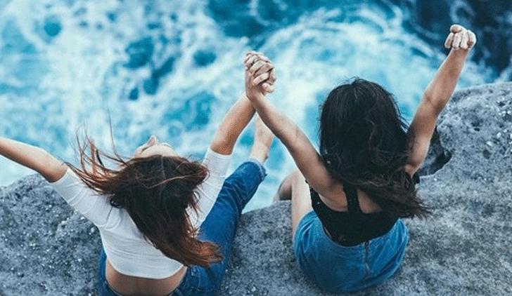 viajar con amigos-ellas