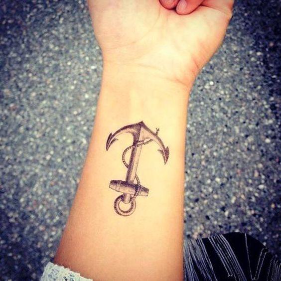 tatuajes de Amy Winehouse