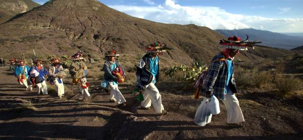 Los huicholes: la cultura que ha resistido la cristianización de su vida y religión
