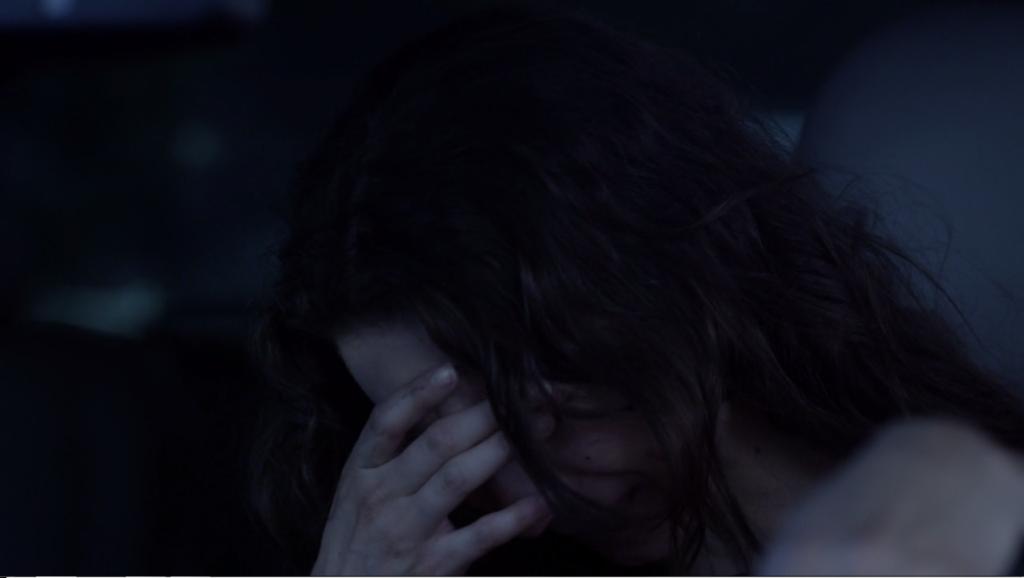mujer llorando secretos femeninos