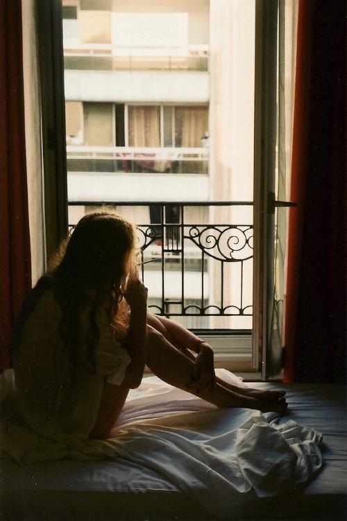 ella y su ventana