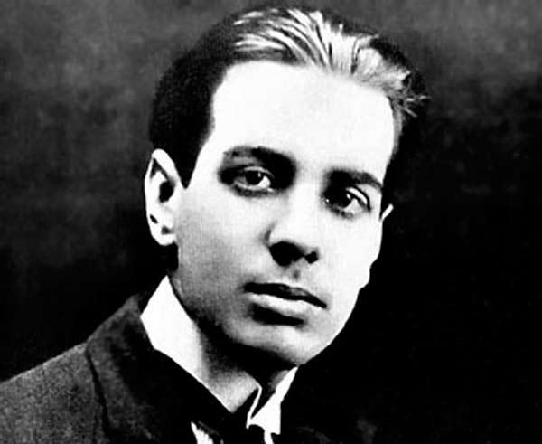 Cuando el mundo pierde su magia, la poesía de Borges es para ti