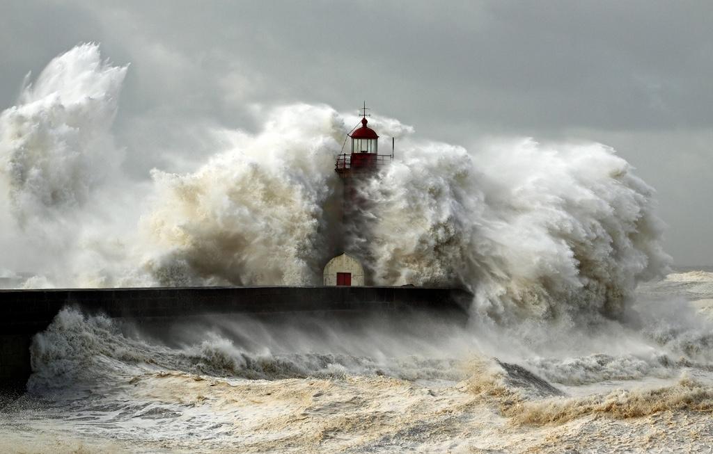 stock-extreme-weather-waves-harbour-lighthouse-hurricane-tsunami