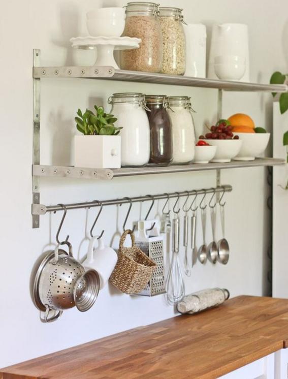 Ideas para aprovechar mejor una cocina peque a dise o for Estantes para cocina pequena