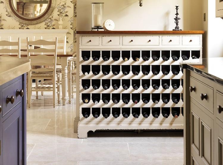 30 sencillos consejos para hacer de tu hogar tu lugar for Mueble vinos