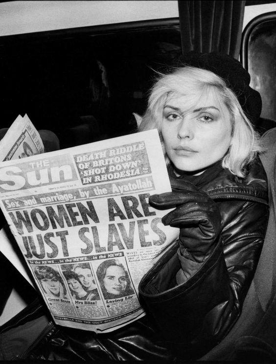 blondie mujeres confundidas