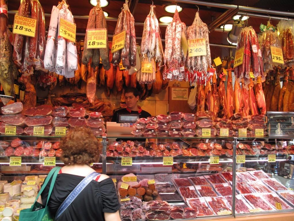 comida callejera boqueria barcelona puesto
