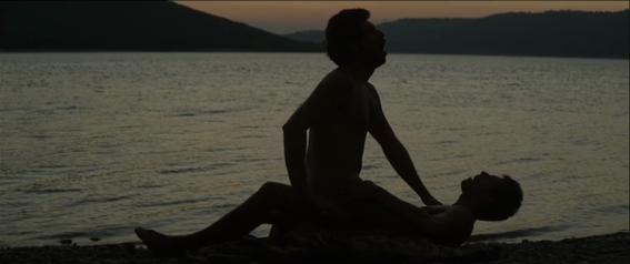 extrano del lago historia del sexo anal