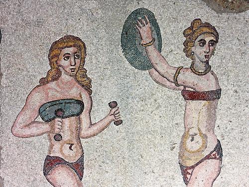 De torturas y fetiches, la lenceria