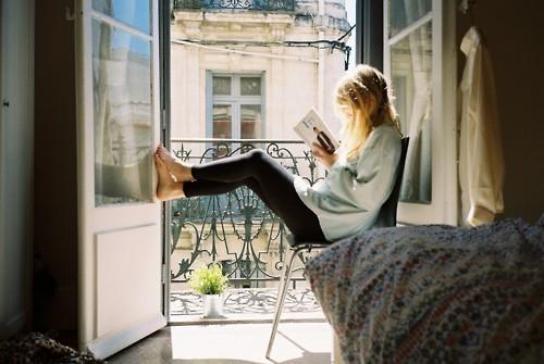 libros perfectos chica leyendo