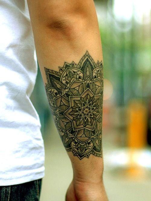 mandala tatuajes para hombres